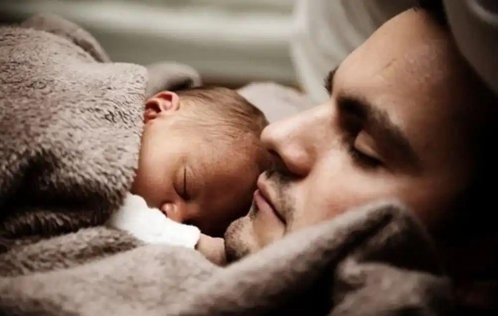 Mi jelenthet segítséget szülés után?